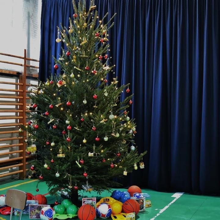 Litéri Református Általános Iskola - iskolai karácsonyi ünnepély áhítattal