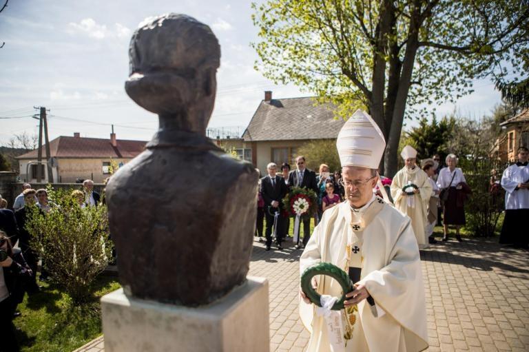 Bódi Mária Magdolnára, a vértanú munkáslányra emlékeztek Litéren